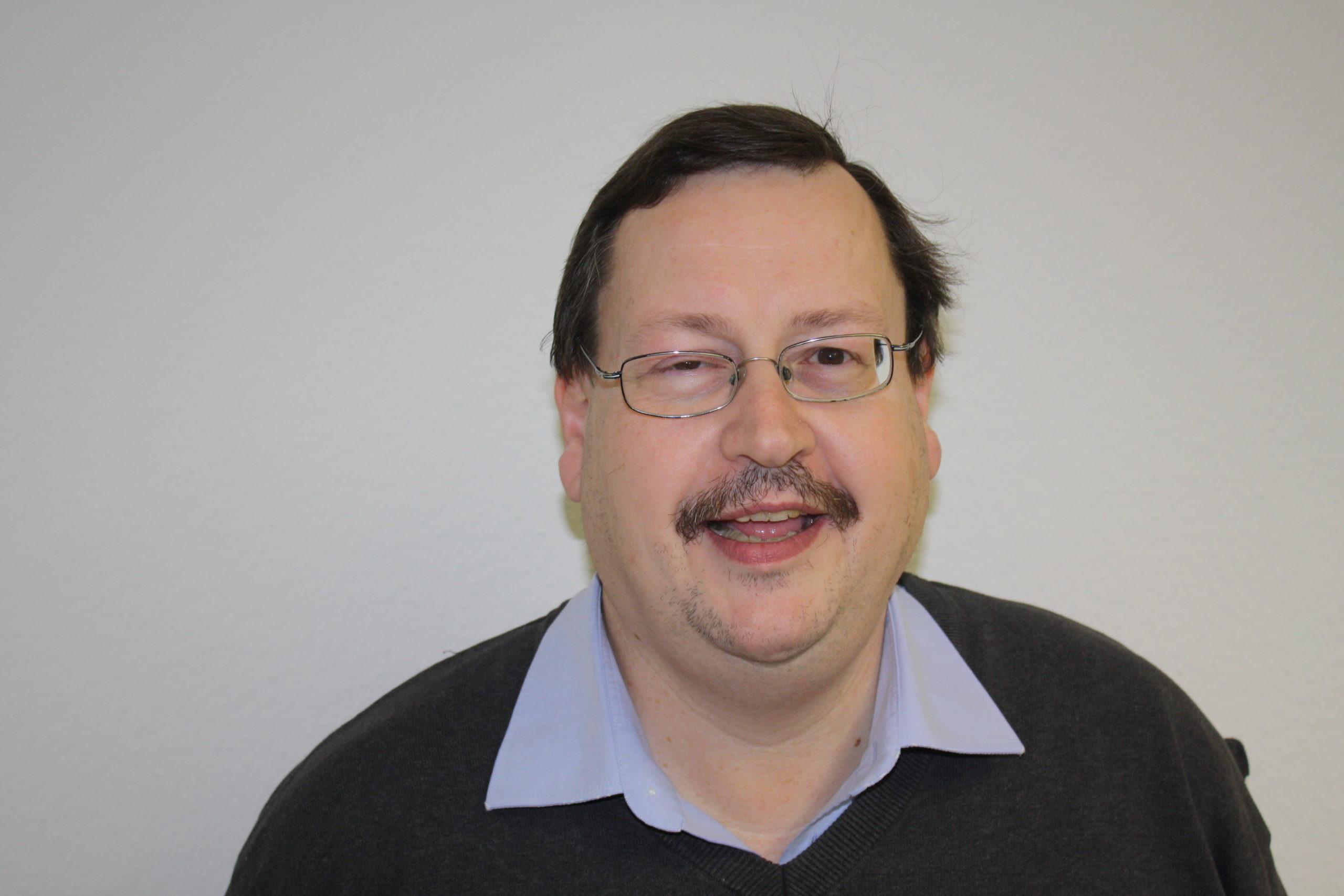 Dr. Albert Engel